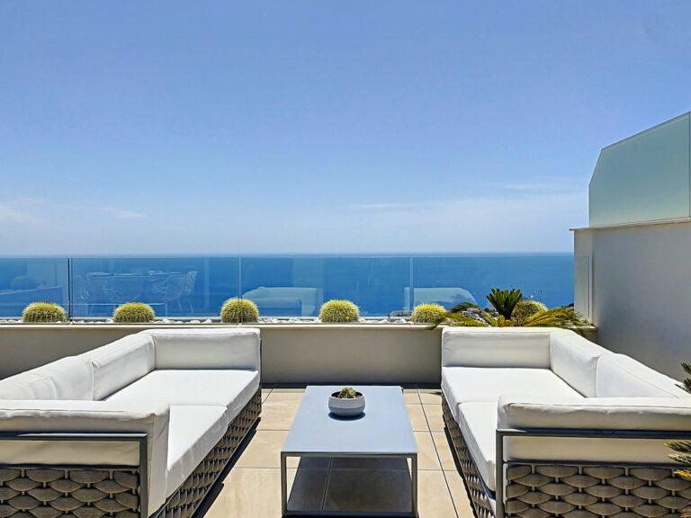 terras uitzicht op zee
